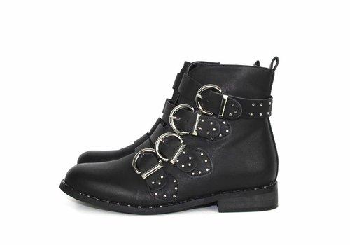 Black short boots belts