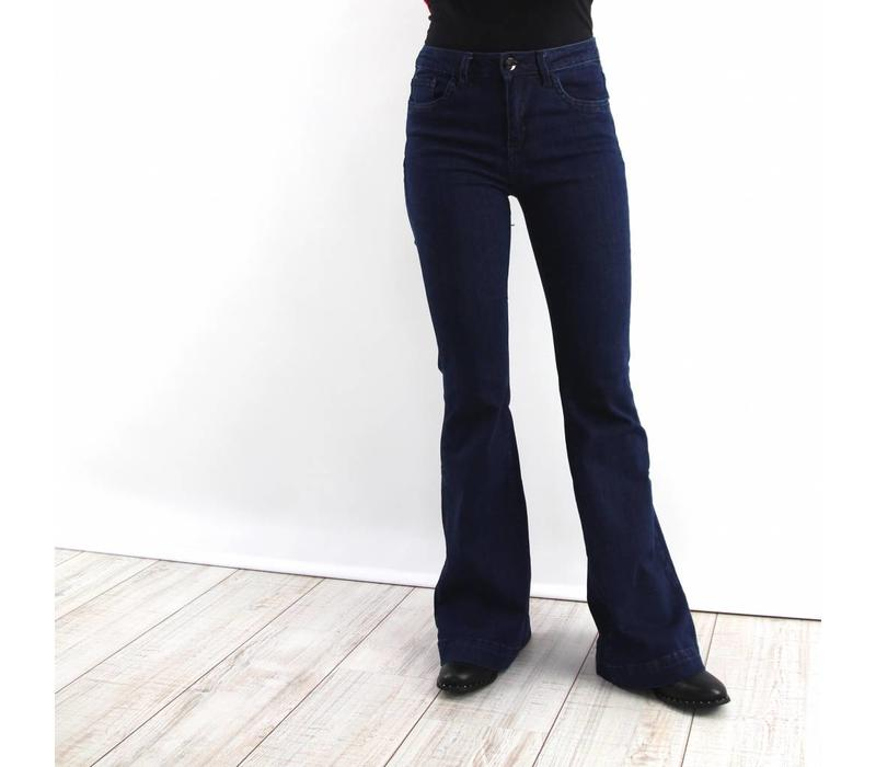 Flared jeans to go
