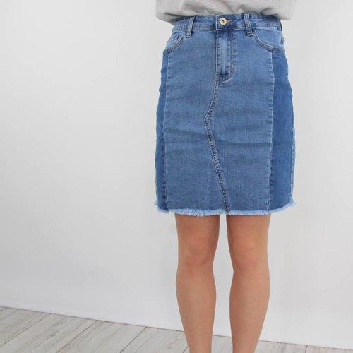 Redial Your denim skirt