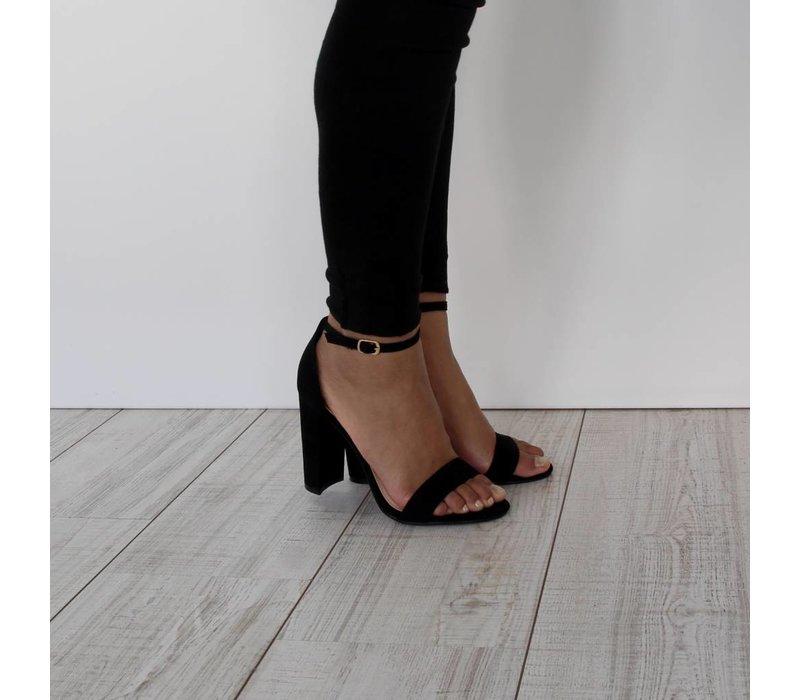 Gorgeous girl heels