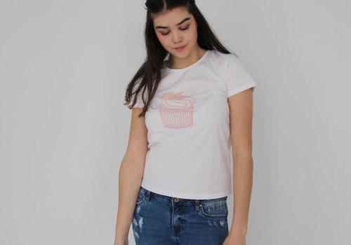 Daphnea Cupcake shirt