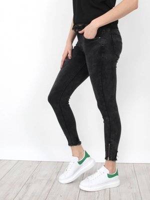 Queen Hearts Traveler jeans