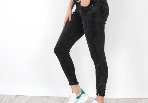 Queen Hearts Traveler jeans