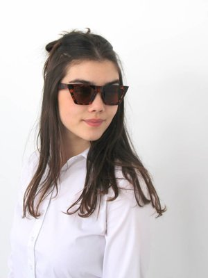 Sunnies up brown
