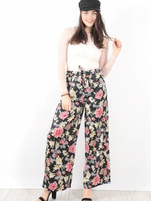 Mod. Style Flower pants black