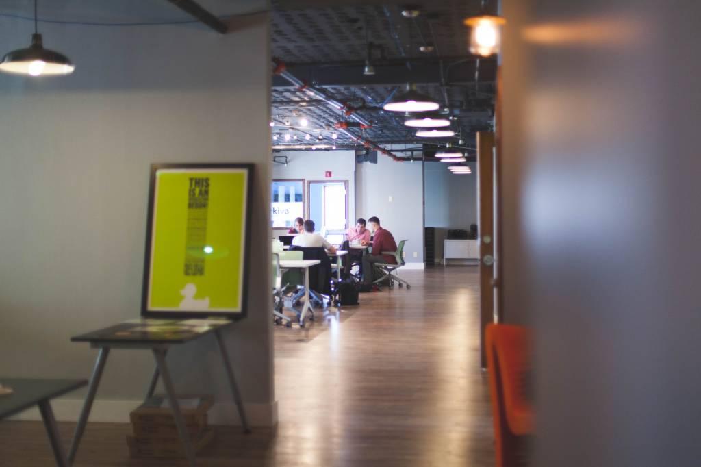 Onderzoek naar akoestiek in een open kantoor