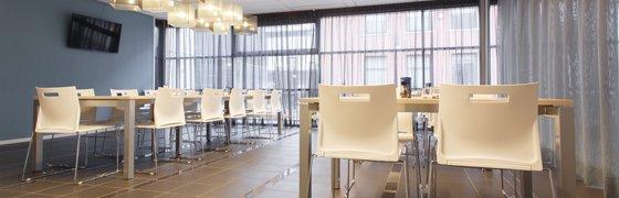 Nieuw kantoormeubilair voor Domino Amjet