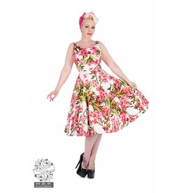 Hearts & Roses Maureen Floral Swing Dress in white