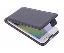 Selencia Luxus Flipcase für Samsung Galaxy A3 - Schwarz