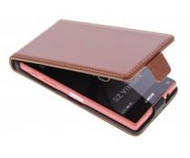Selencia Luxus Leder Flipcase für Sony Xperia Z5 Compact - Kastanienbraun