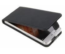 Accezz Schwarzer Flip Case für das Huawei P10