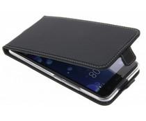 Accezz Schwarzer Flip Case für das HTC U11