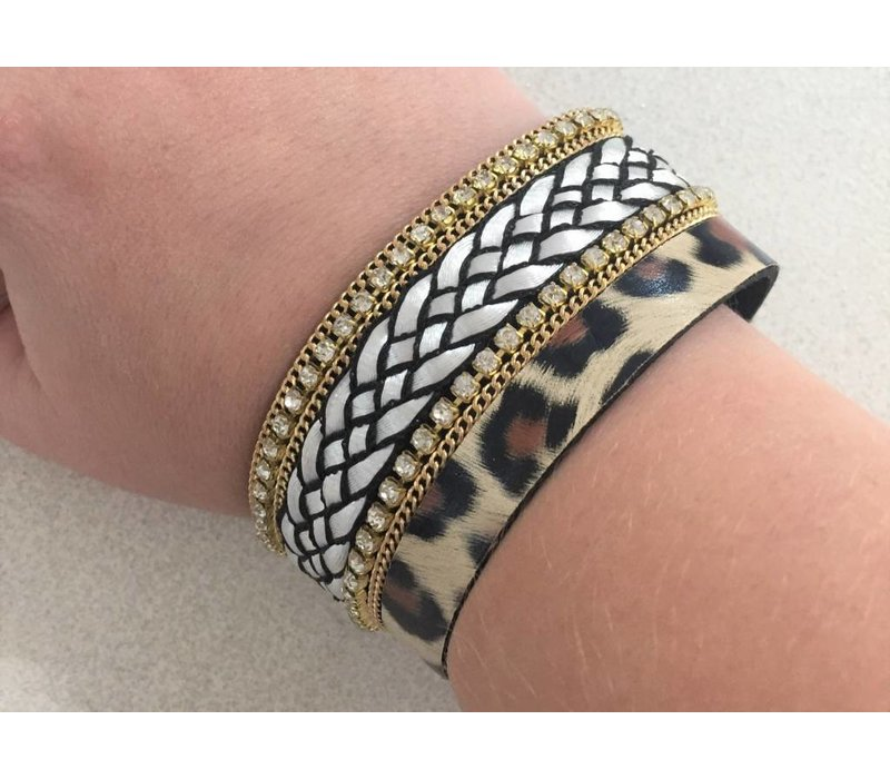Magnetic Fastening Bracelet (2 Styles)
