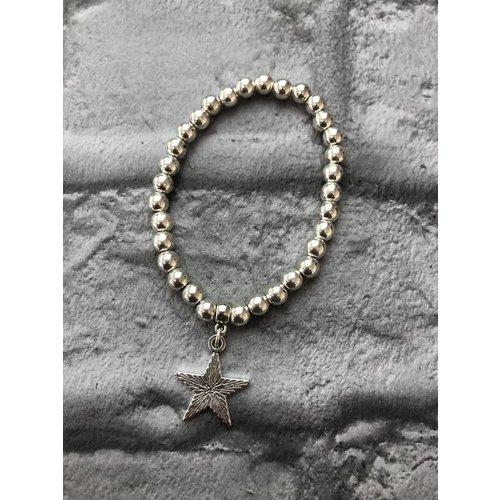 Elasticated Star Charm Bracelet