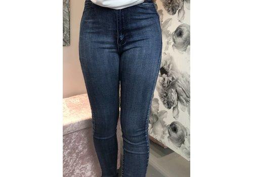 VICKY Plus Size Stretch Jeans (Size 12-20)