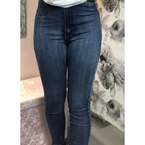 VICKY Plus Size Stretch Jeans (Size 12-20)