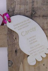 Geboortekaartje houten voetje 9x5cm
