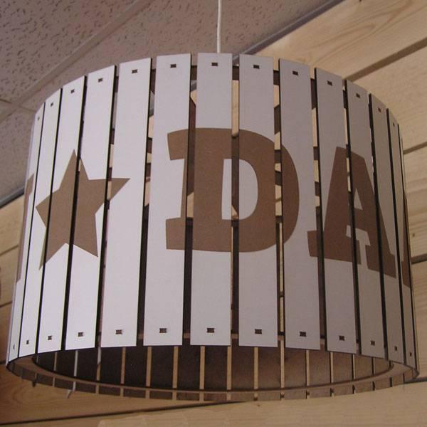 Houten hanglamp wit rond 40cm  met naam