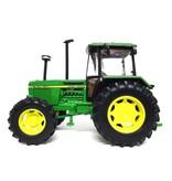Britains Britains 42996 - John Deere 3140 tractor 4WD 1:32