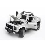 Bruder Bruder 2591 - Land Rover pick-up (wit)