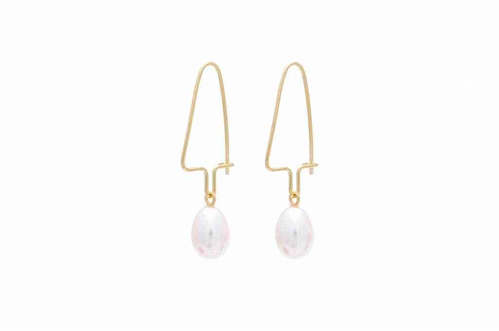 Wouters & Hendrix hook earrings with white pearl