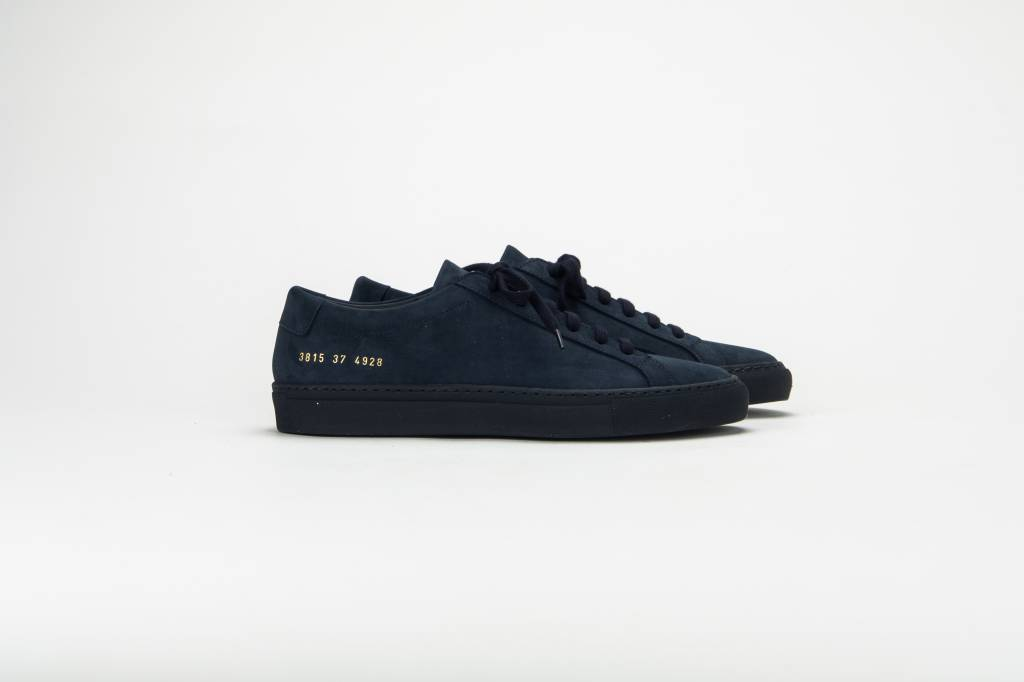 Common Projects Achilles low sneaker nubuck blue