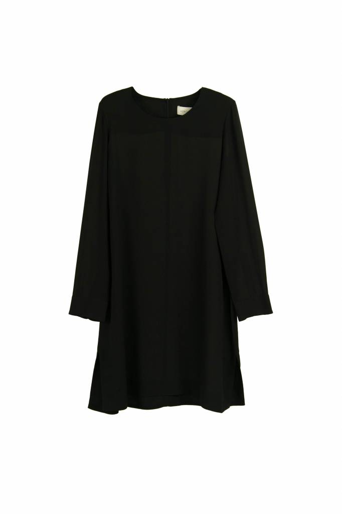 Kokoon Oda dress black
