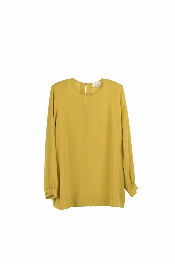 Kokoon Maia blouse dust yellow