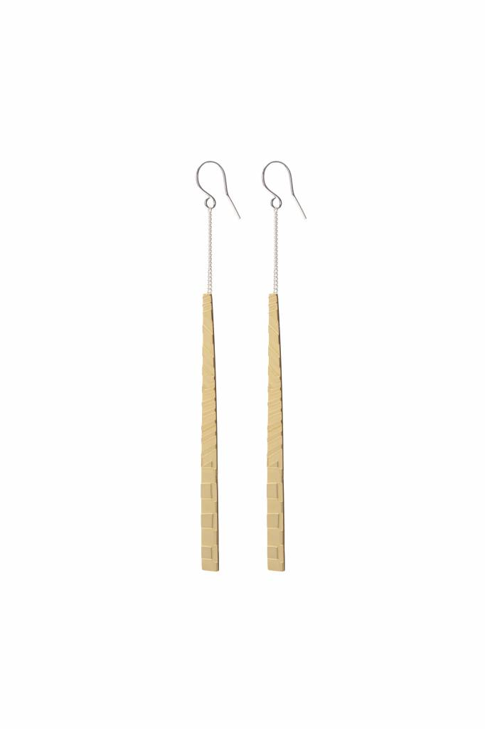 Wouters & Hendrix hook earrings with etched leaf pendant