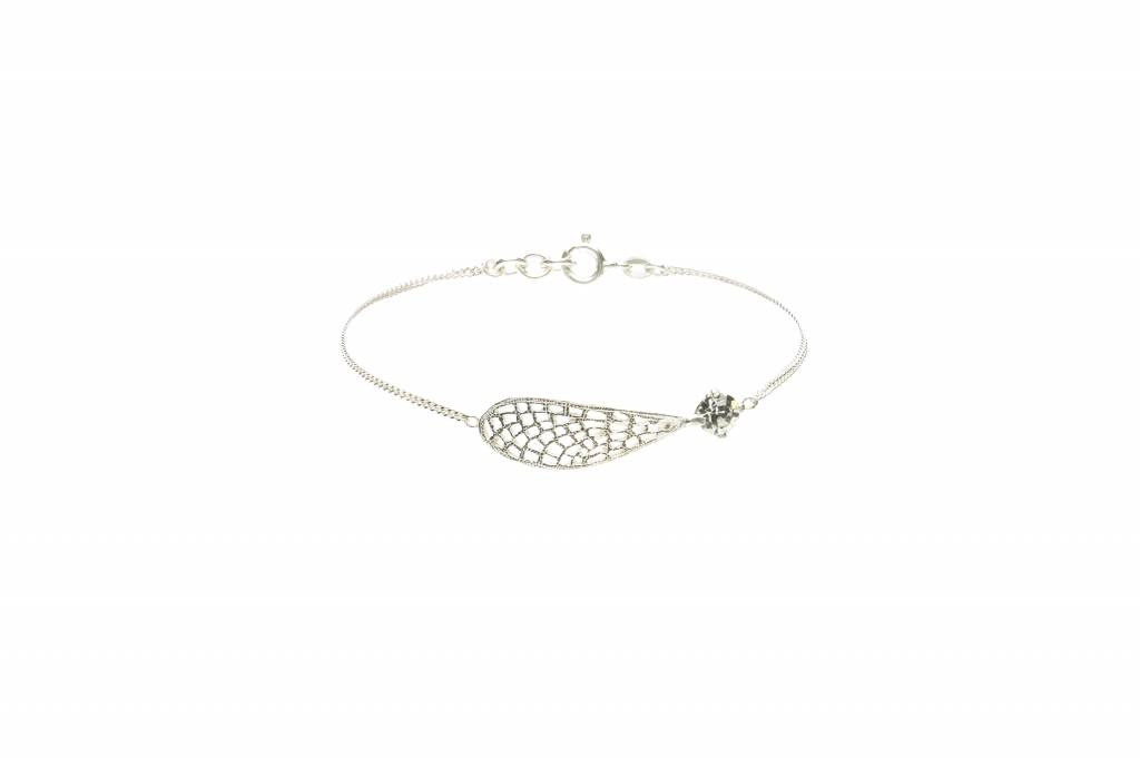 Wouters & Hendrix bracelet with white crystal and wing detail