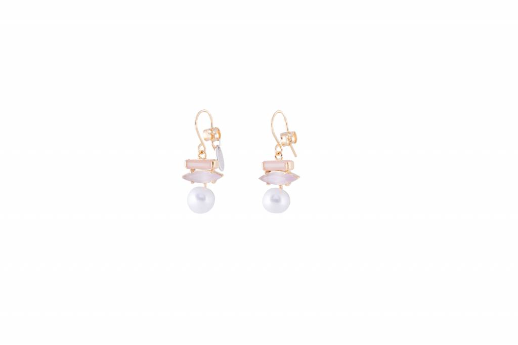 Wouters & Hendrix goldplated earrings with oval sunstone, purple cat's eye and pearl
