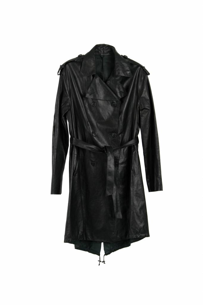 I'm black paper leather trench coat