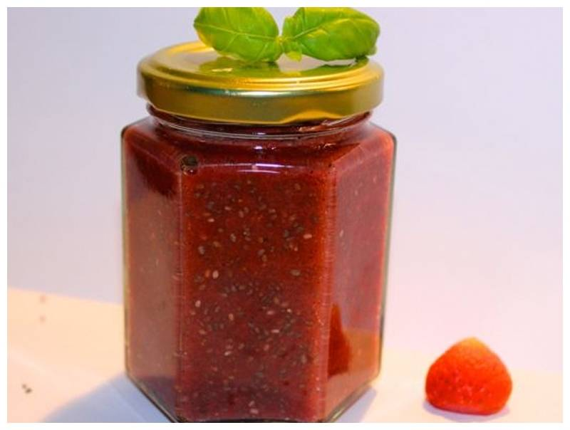 Greensweet Stevia Strawberries chia spread.jpg