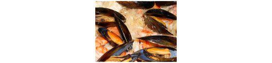 Baked mussels with summer sauerkraut