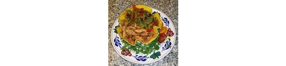 Carrot Tortilla Bowl with spicy chicken and beans and paprika a la Sandra