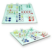 Out of the blue - Spel - Drinkspel - Mens erger je niet - Incl. 16 Shotglaasjes & 2 dobbelstenen