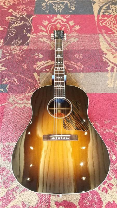 Gibson 2001 Gibson AJ w/fishman