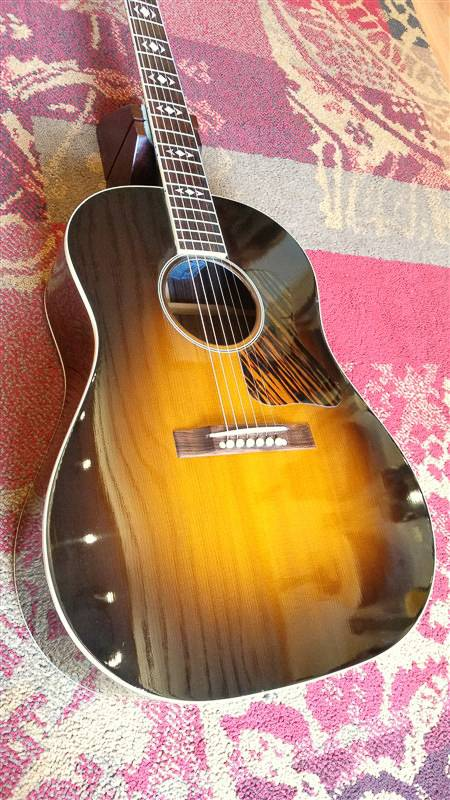 Gibson Gibson AJ w/fishman 2001 - consignment