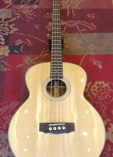 Guild Guild B-140E NAT Westerly Series w/Fishman
