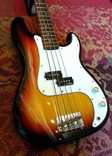 Vintage Vintage P-Bass V4SB Sunburst