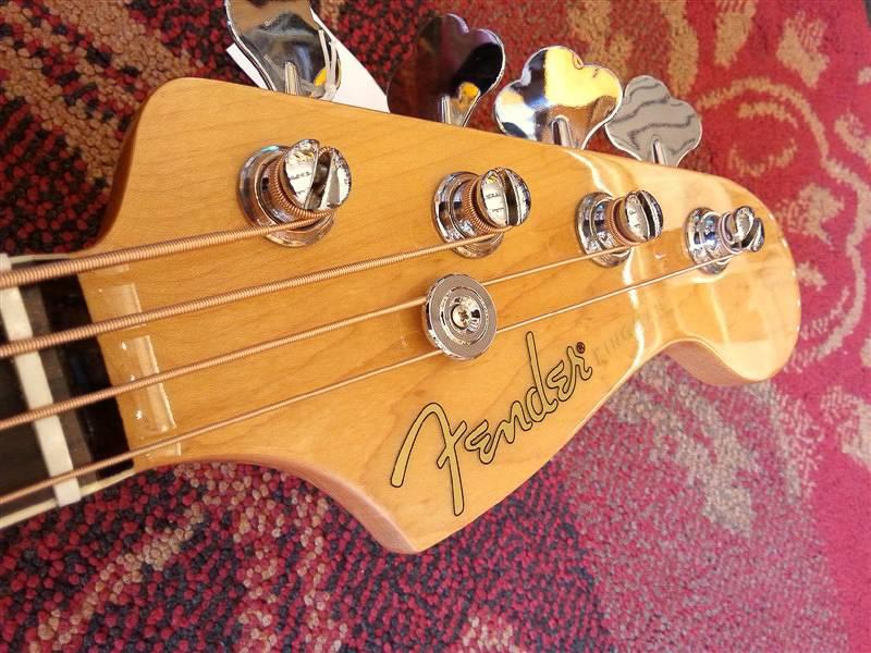 Fender Fender Kingman Bass SCE NAT w/Fishman + case
