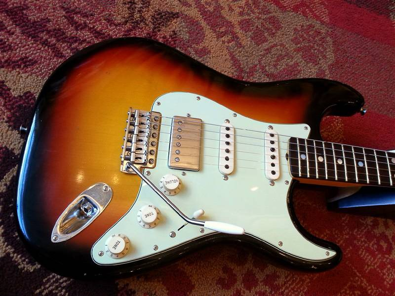 Fender Fender Custom Shop '65 Journeyman Strat HSS SB