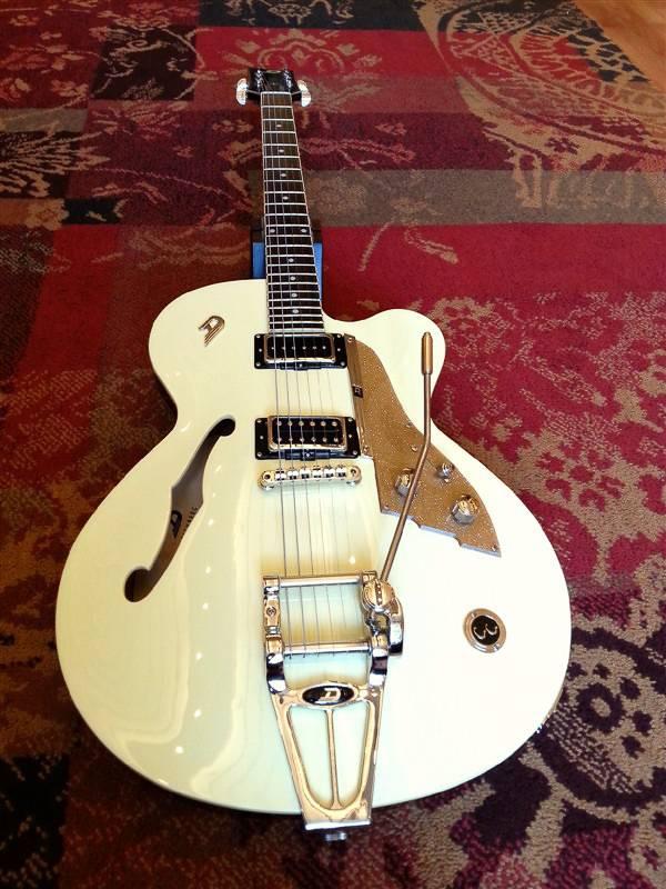 Duesenberg Duesenberg CC Carl Carlton Vintage White w/Case