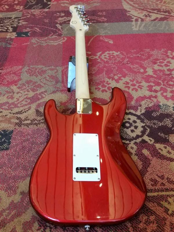 G&L G&L Tribute Legacy Stratocaster Candy Apple Red