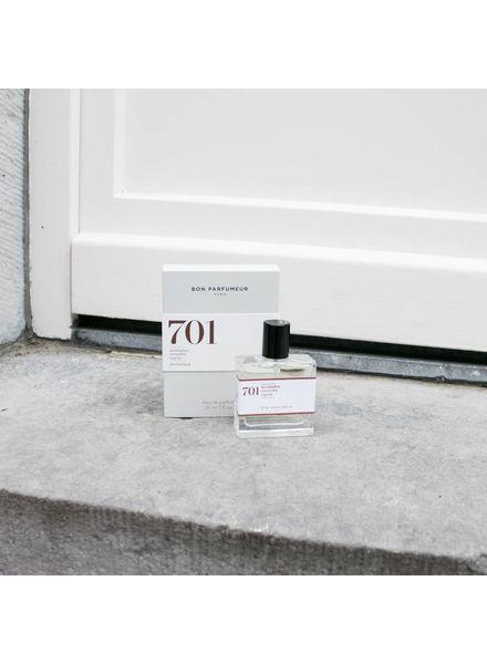 Bon Parfumeur 701 eucalyptus, amber, white wood