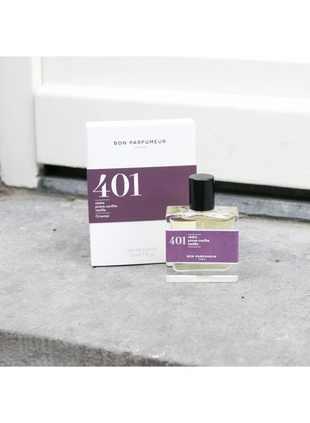 Bon Parfumeur 401 cedar, candied plum, vanilla