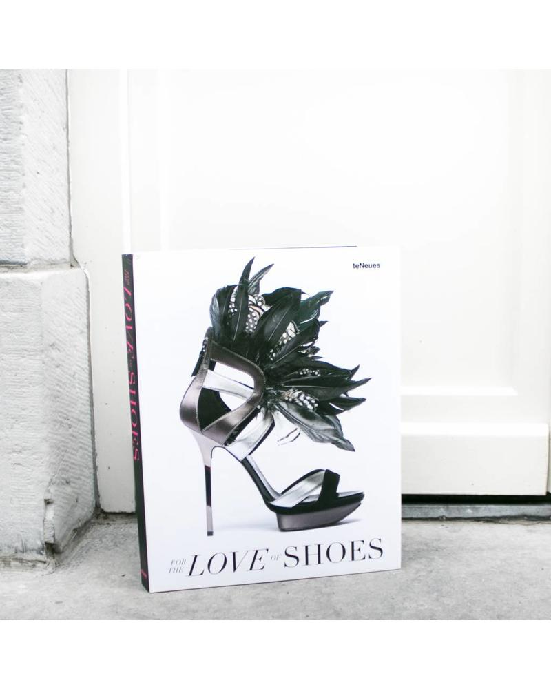 Exhibitions International EXH INTL For the love of shoes
