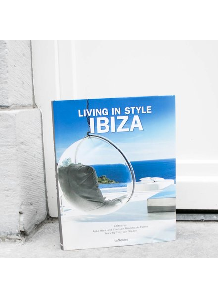 Exhibitions International Living in style : Ibiza