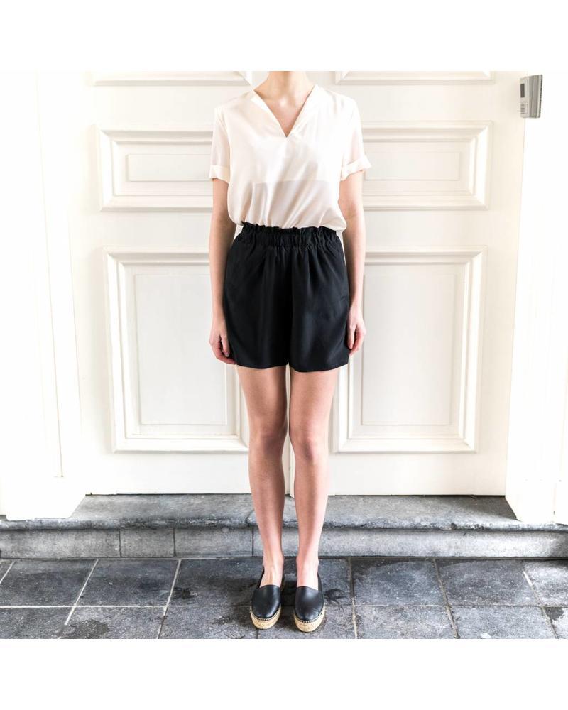Kelly Love Falling darkness shorts - Black