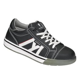 Maxguard From the Maxguard Eco Sneaker Range.  With 2 pairs of laces to customise your look.